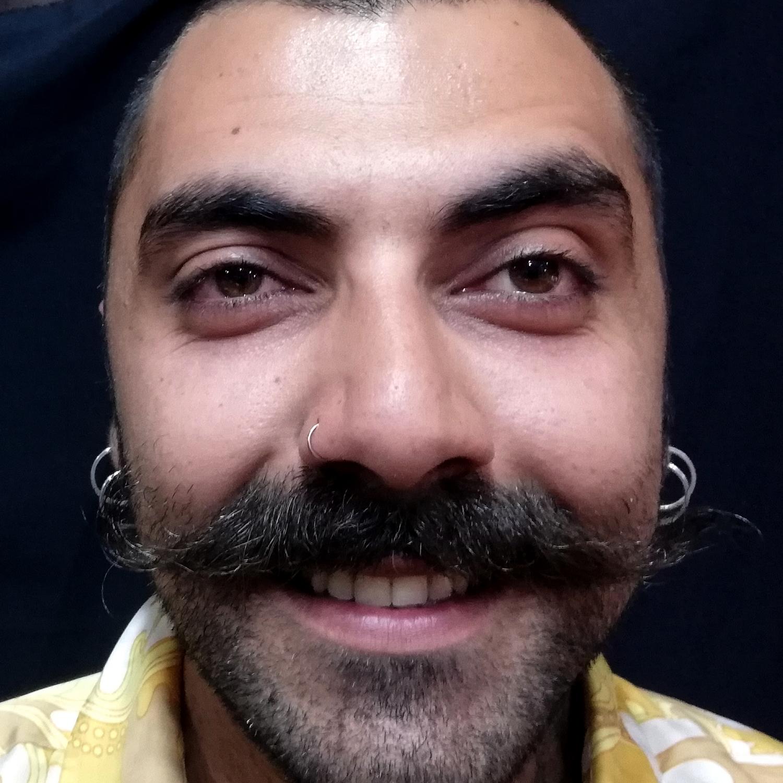 erkek,burun,piercing