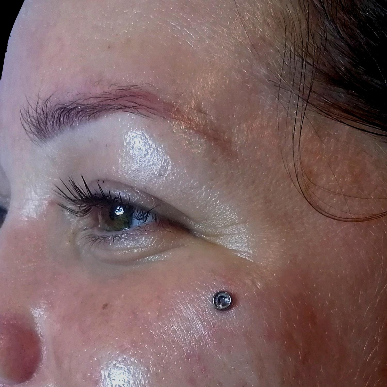 cheekbone,yüz,dermal,piercing