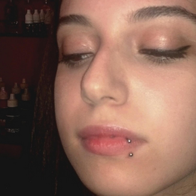 yarım,halka,dudak,piercing, istanbul