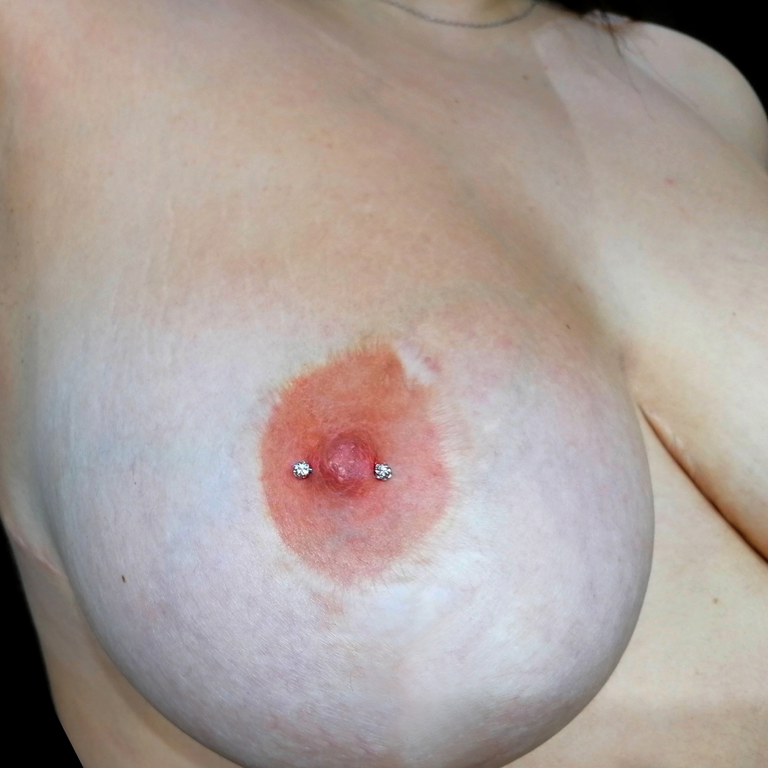 besiktas,nipple,piercing