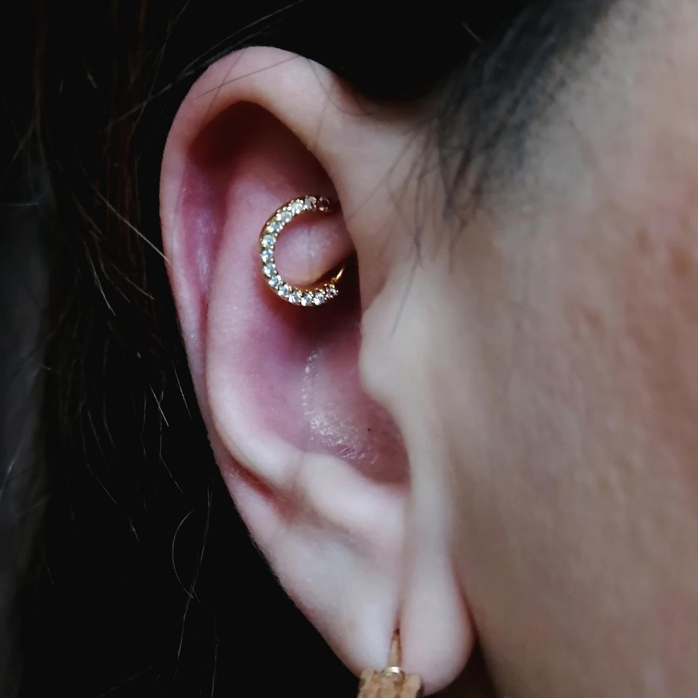 taşlı,kıkırdak,piercing,küpeleri