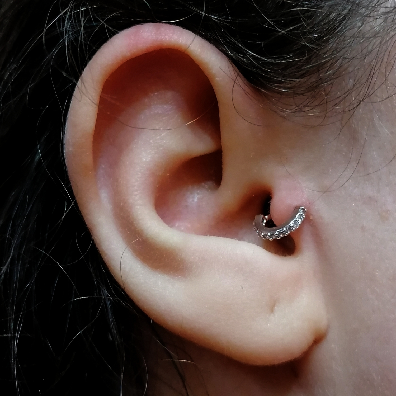 anti,tragus,piercing