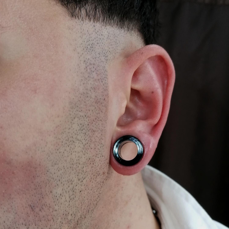 6,mm,tunnel,piercing,resimleri