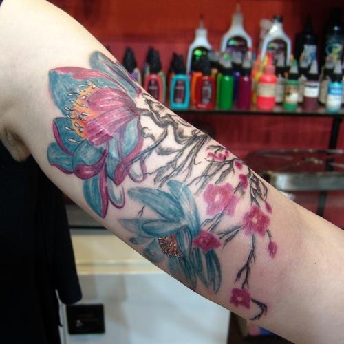 kesik,jilet,izi,kapatma,sarmasik,çiçek,cicek,dövmeleri