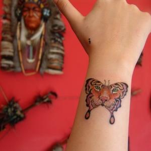 kaplan,kelebek,dövmesi