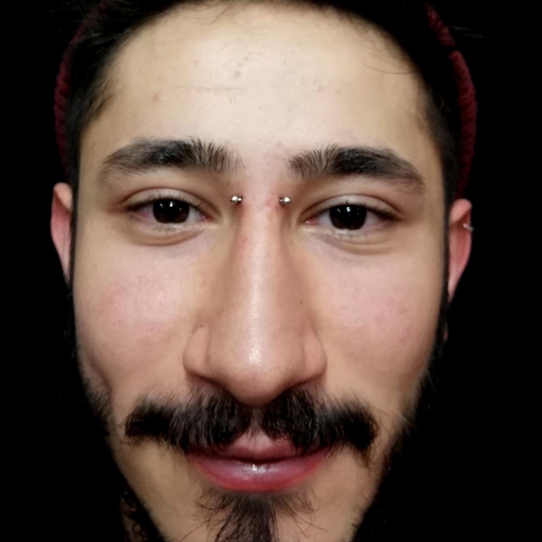 erkek,kopru,piercing