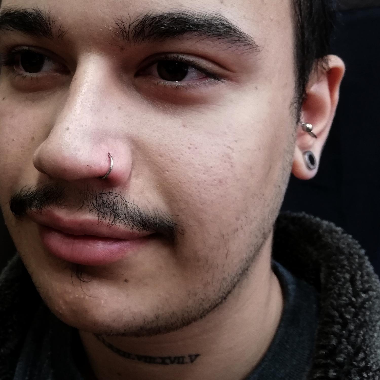 erkek,için,burun,piercing,satan,yerler