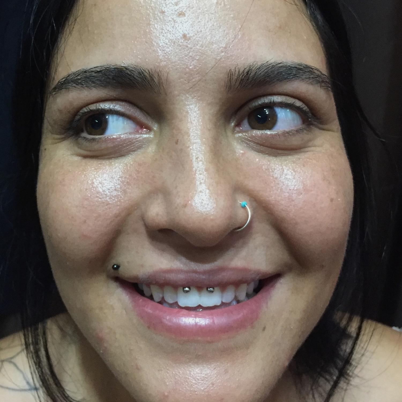 mavi,tasli,burun,piercing,video