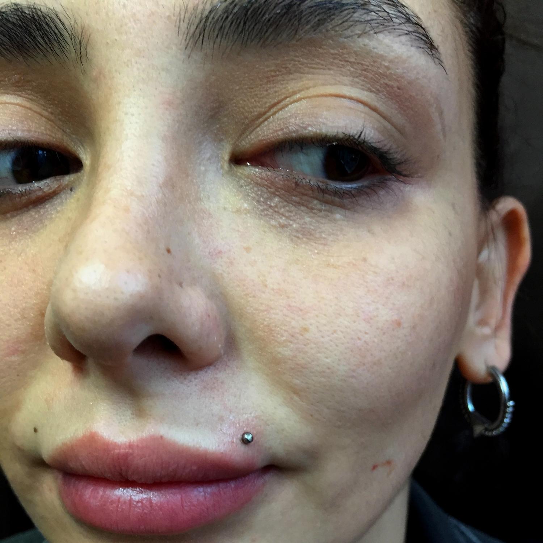 monroe,dudak,ustu,piercing,besiktas