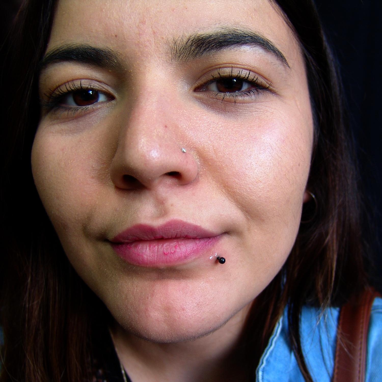 dudak,kenarı,piercing,delimi,besiktas