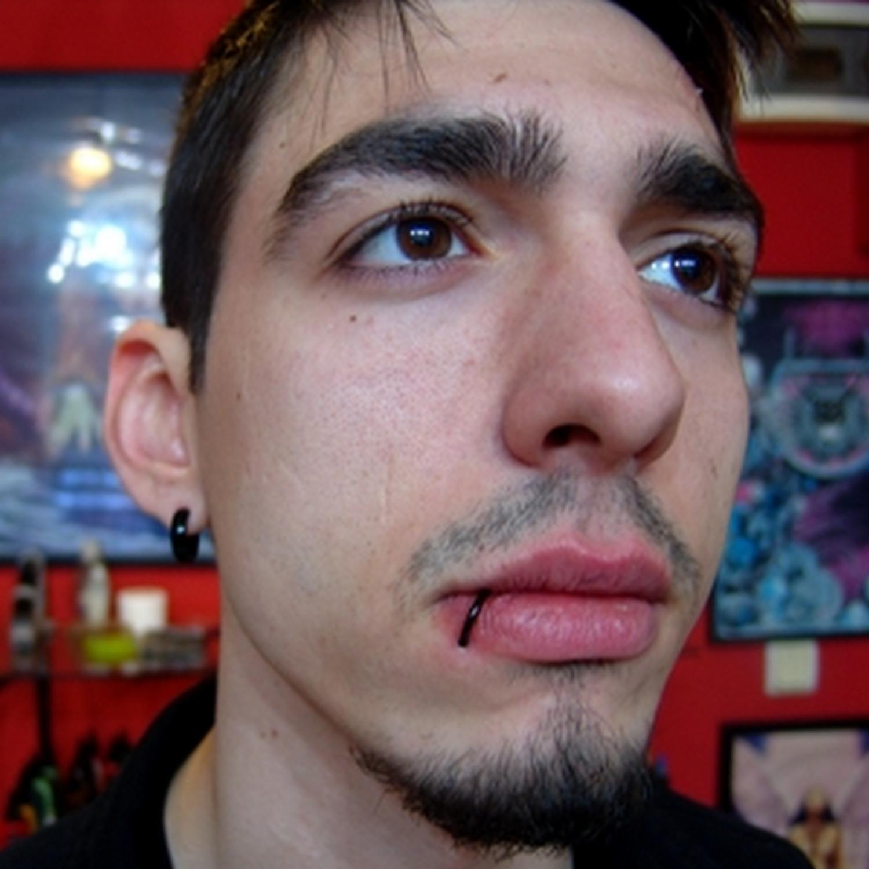 siyah,halka,dudak,piercing ,küpeleri