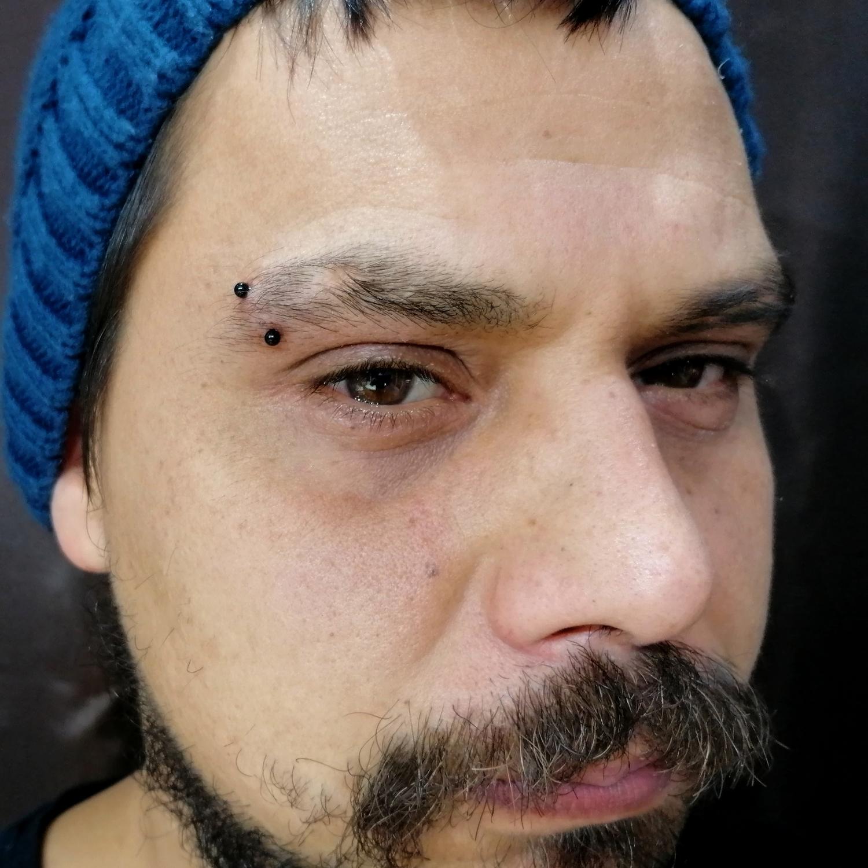 black,eyebrow,piercing