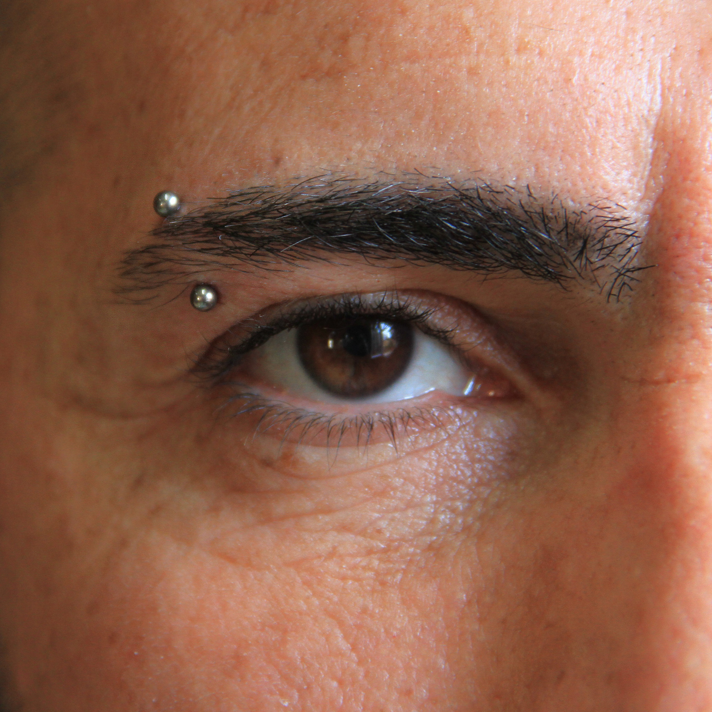 beyaz,toplu,kas,piercing