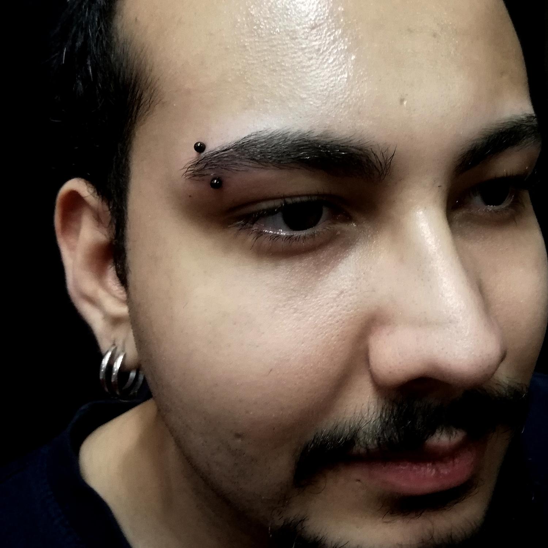 siyah,toplu,kas,piercing