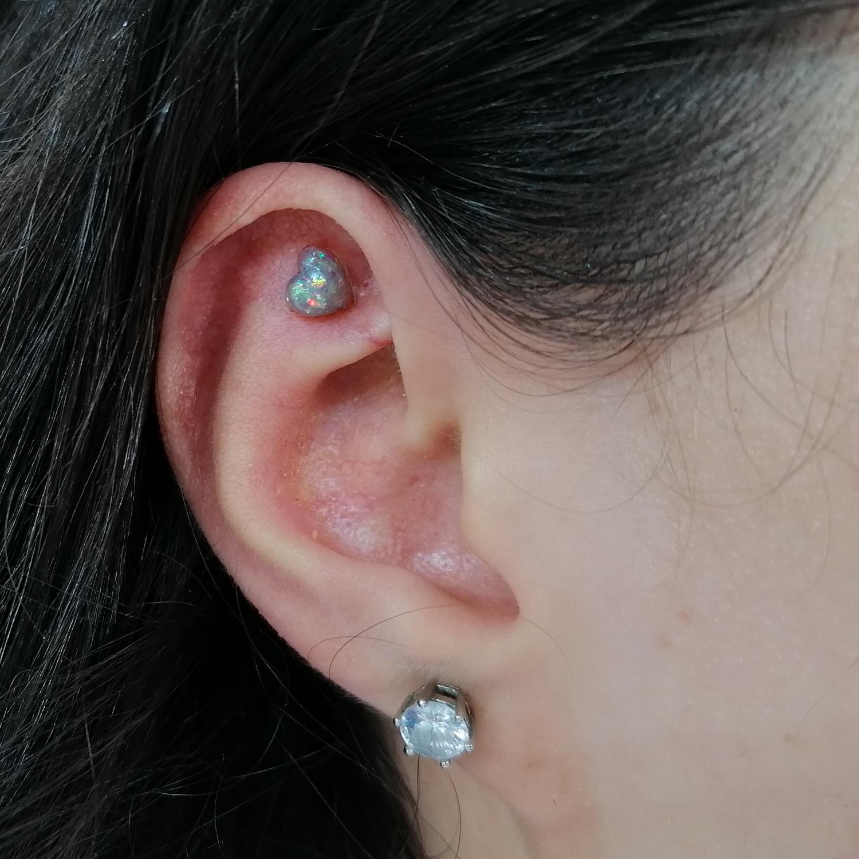 opal,kalp,flat,piercing