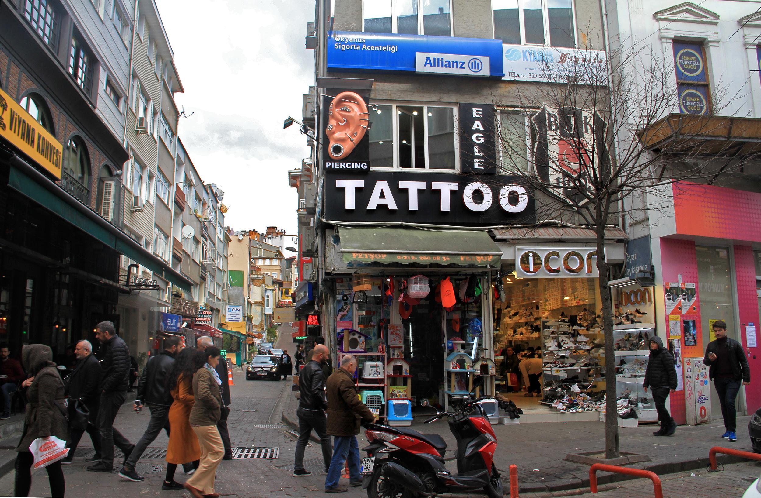 besiktas,piercing,tattoo