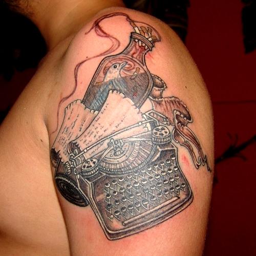 daktilo,dovmesi,bukowski,tattoo