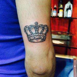 kral,tacı,dövmeleri