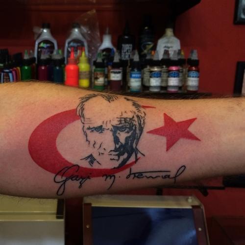 ataturk,türk,bayrağı,dovmesi,dovmeleri