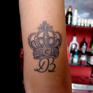 kralice,taci,dovme,crown,tattoo