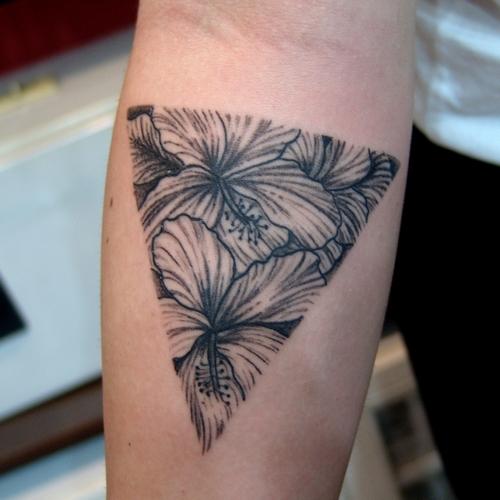 triangle,flower,tattoo