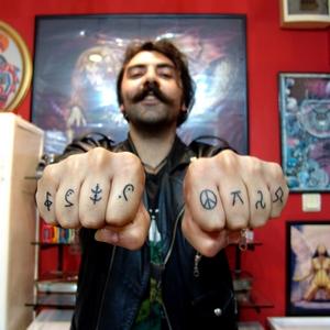 parmak,sembol,dovmeleri,finger,symbol,tattoo